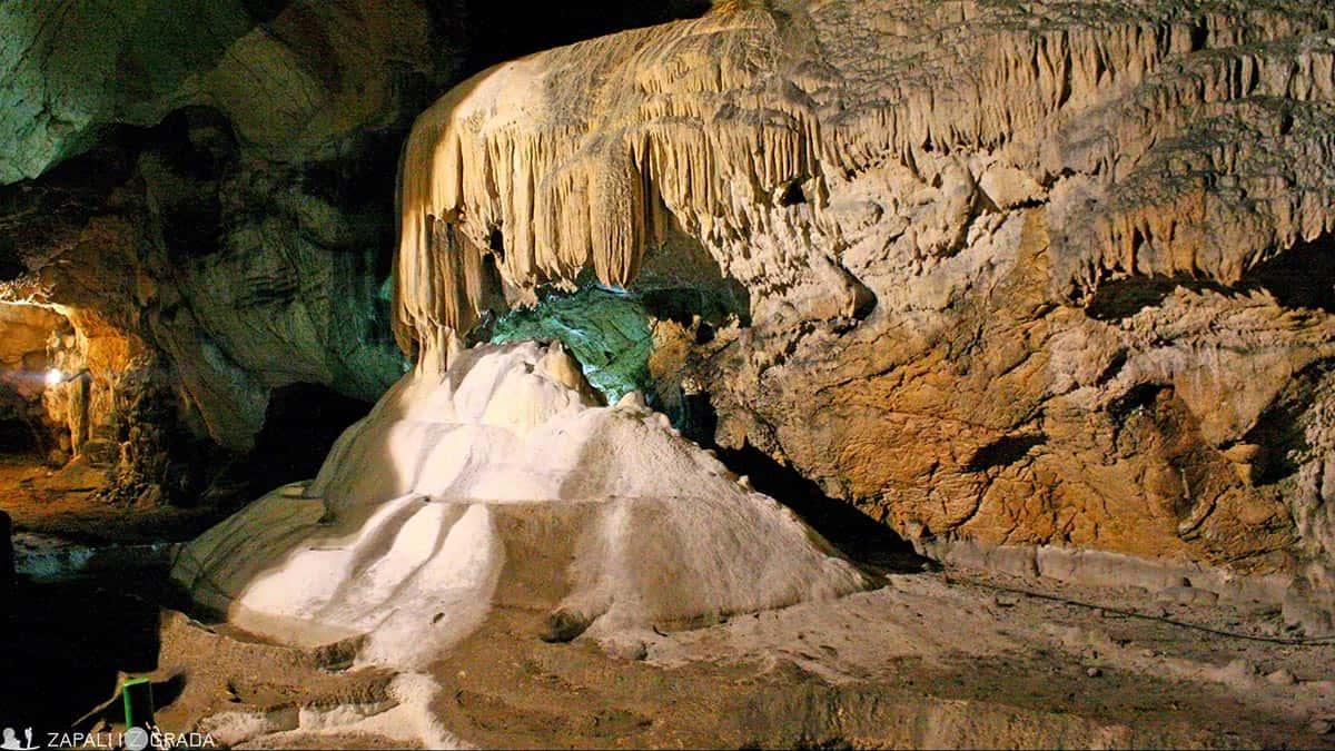 zapali iz grada- lazareva pećina2