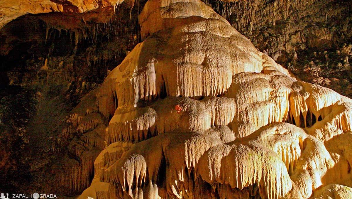 zapali iz grada- lazareva pećina4